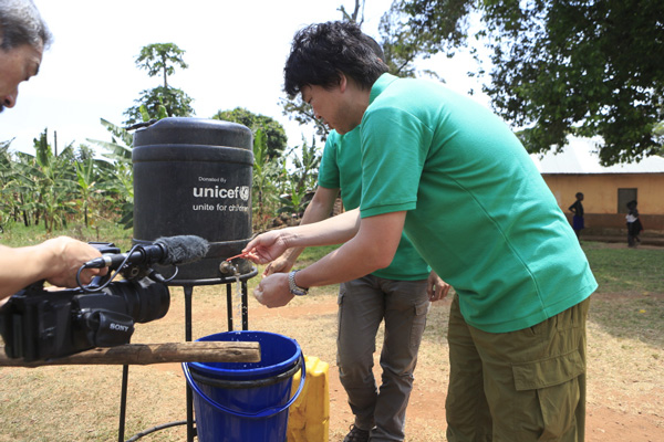 Hand washing in Uganda. Making hand wash simpler to obtain with Unicef.